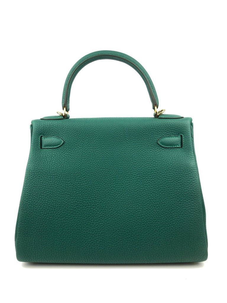 Hermes Kelly 28 Malachite Togo Gold Hardware 2020 In New Condition For Sale In Miami, FL