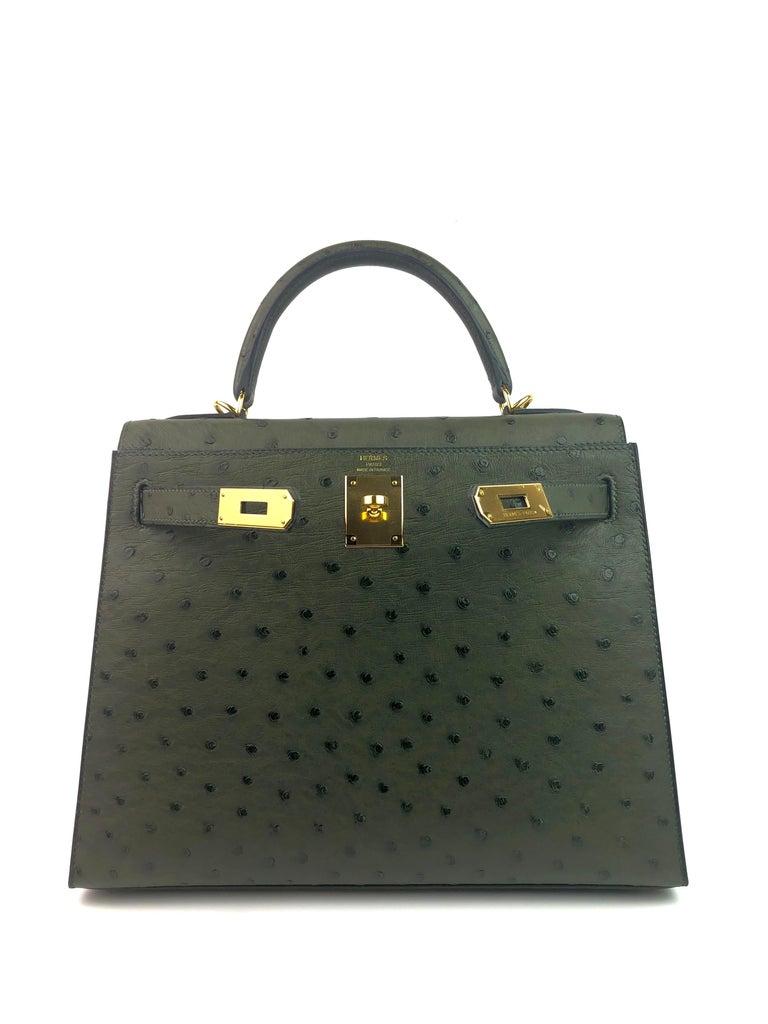 Black Hermes Kelly 28 Ostrich Vert Veronese Green Gold Hardware  For Sale