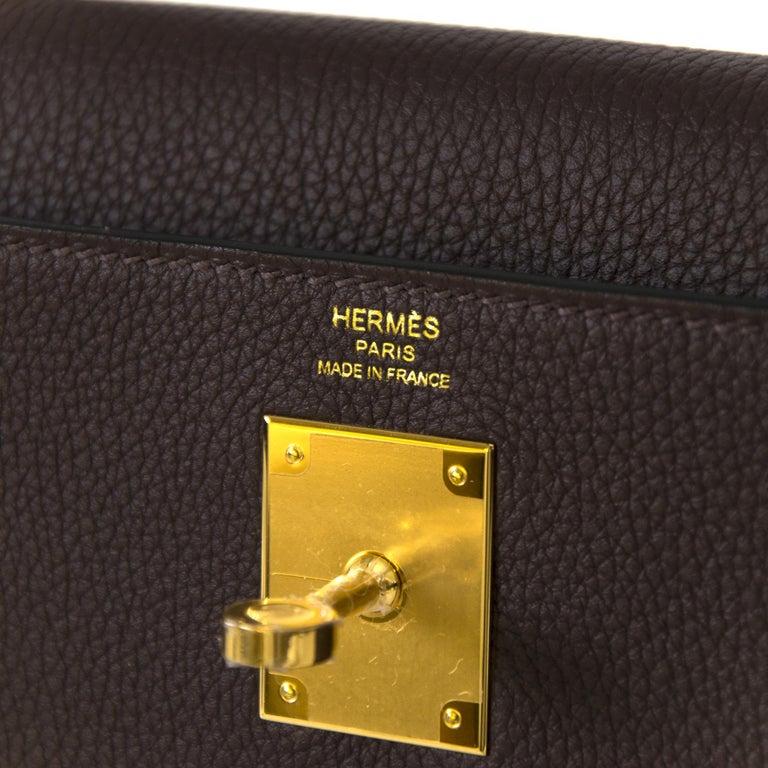 Hermès Kelly 28 Retourne Togo Chocolat GHW  For Sale 1