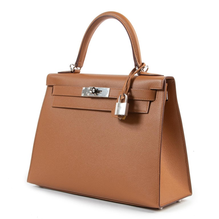Women's or Men's Hermès Kelly 28 Verso Gold Ambre Epsom PHW For Sale
