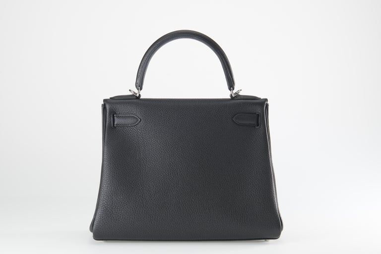 Women's or Men's Hermes Kelly 28cm Black Togo with Palladium For Sale