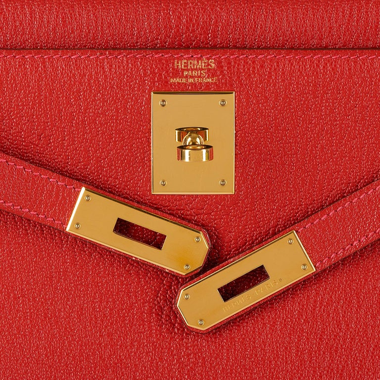Hermes Kelly 28cm in rare Chevre Mysore - Rouge 'H' Leather with Gold Hardware For Sale 2
