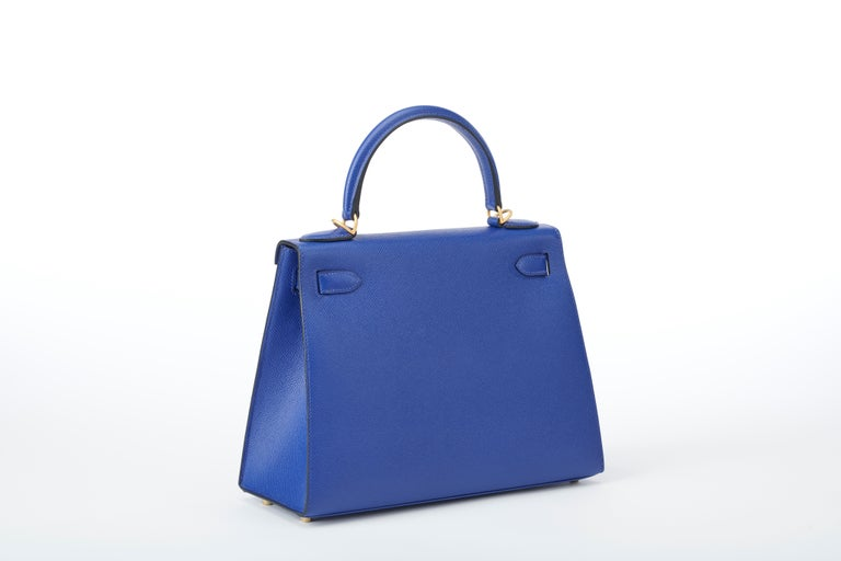Hermes Kelly 28cm Personalized Blue Electric and Black Epsom with Gold In New Condition For Sale In Sheridan, WY