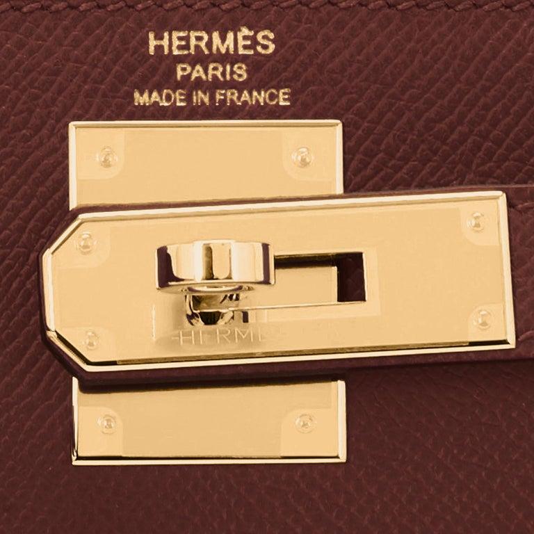 Hermes Kelly 28cm Rouge H Hermes Epsom Sellier Gold Hardware Y Stamp, 2020 For Sale 5