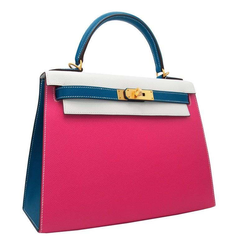 Red Hermès Kelly 28cm Tri-Color Special Order Epsom Leather Brushed Gold Hardware For Sale