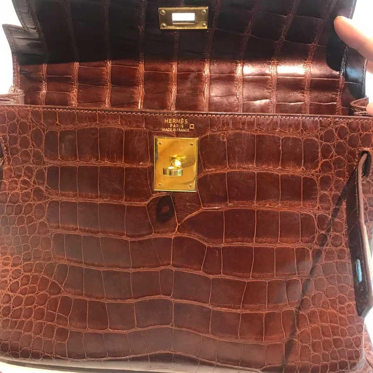 HERMES Kelly 32 Alligator And Golden Jewelry For Sale 13