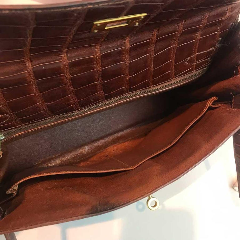 HERMES Kelly 32 Alligator And Golden Jewelry For Sale 14
