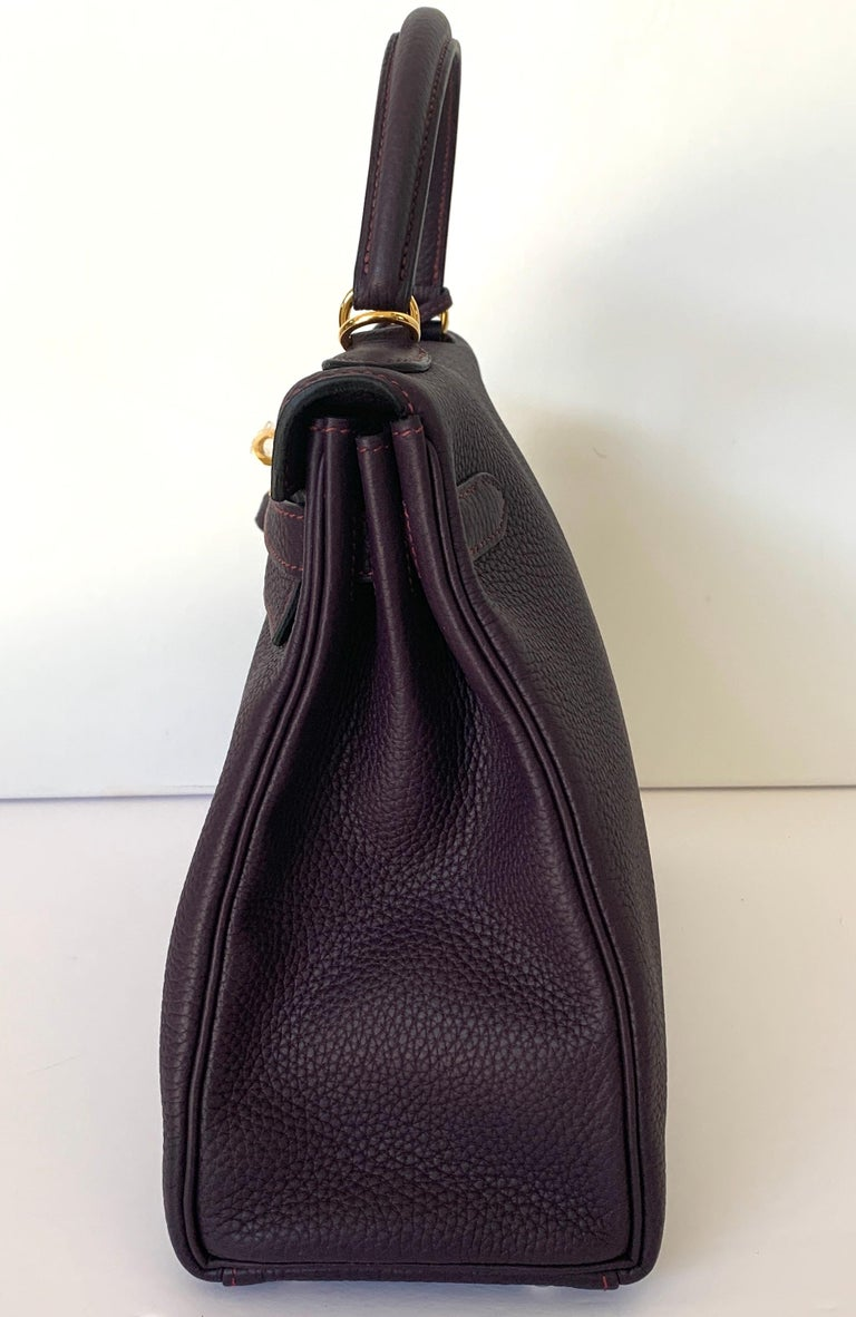 Women's or Men's Hermes Kelly 32 Bag HSS Special order Raisin Pink Stitching Gold Hardware For Sale