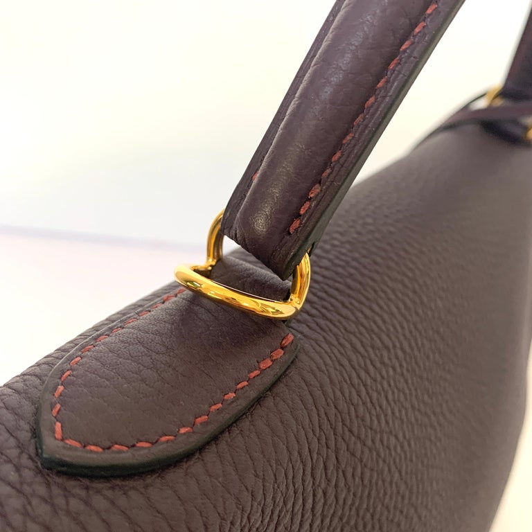 Hermes Kelly 32 Bag HSS Special order Raisin Pink Stitching Gold Hardware For Sale 4