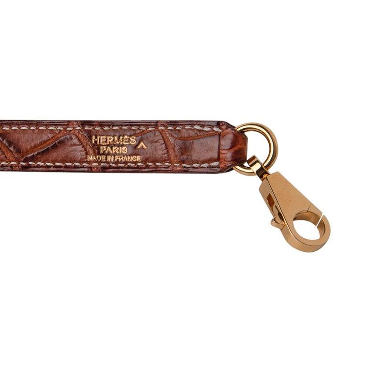 Hermes Kelly 32 Bag Matte Fauve Barenia Porosus Crocodile Gold Hardware  For Sale 7