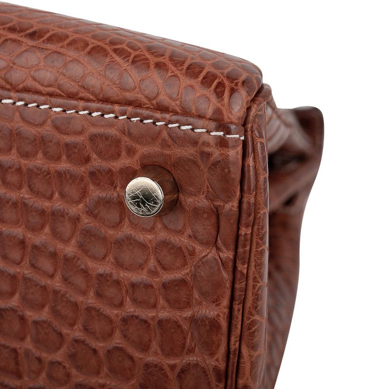 Hermes Kelly 32 Bag Matte Fauve Barenia Porosus Crocodile Gold Hardware  For Sale 11