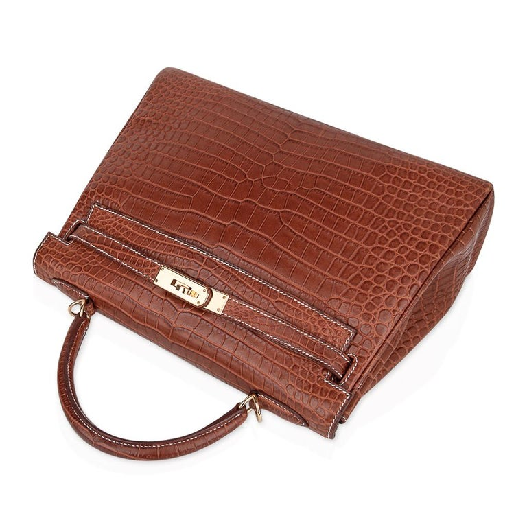 Hermes Kelly 32 Bag Matte Fauve Barenia Porosus Crocodile Gold Hardware  For Sale 1