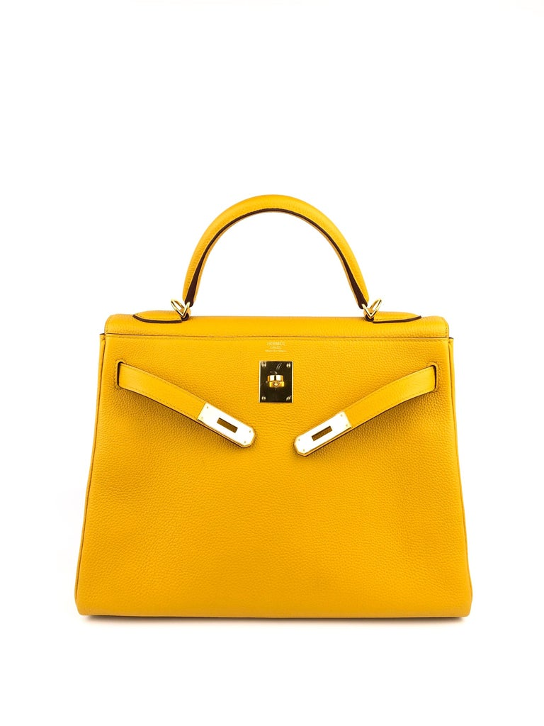 Hermes Kelly 32 Jaune Ambre Yellow Togo Gold Hardware 2018 In Excellent Condition For Sale In Lancaster, CA