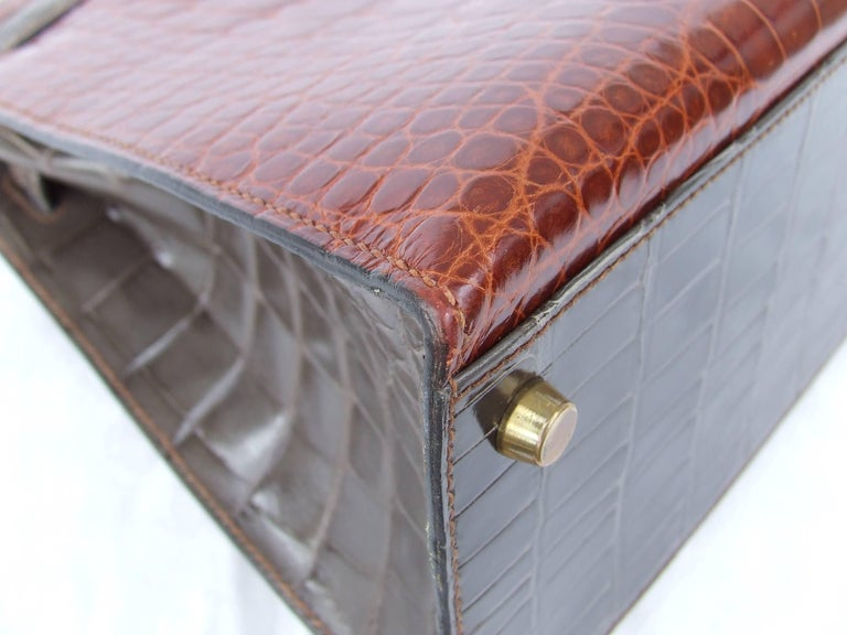 Hermes Kelly 32 Sellier Tricolor Beige Cognac Grey Alligator Crocodile GHW Bag  For Sale 13