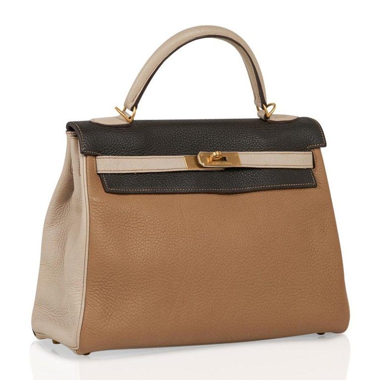 Women's Hermes Kelly 32 Tri-Color Bag Tabac Camel/Ebene/Parchemin Brushed Gold Hardware  For Sale