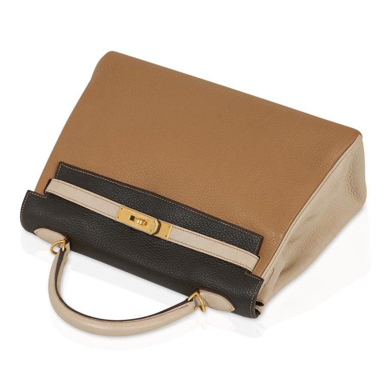 Hermes Kelly 32 Tri-Color Bag Tabac Camel/Ebene/Parchemin Brushed Gold Hardware  For Sale 1