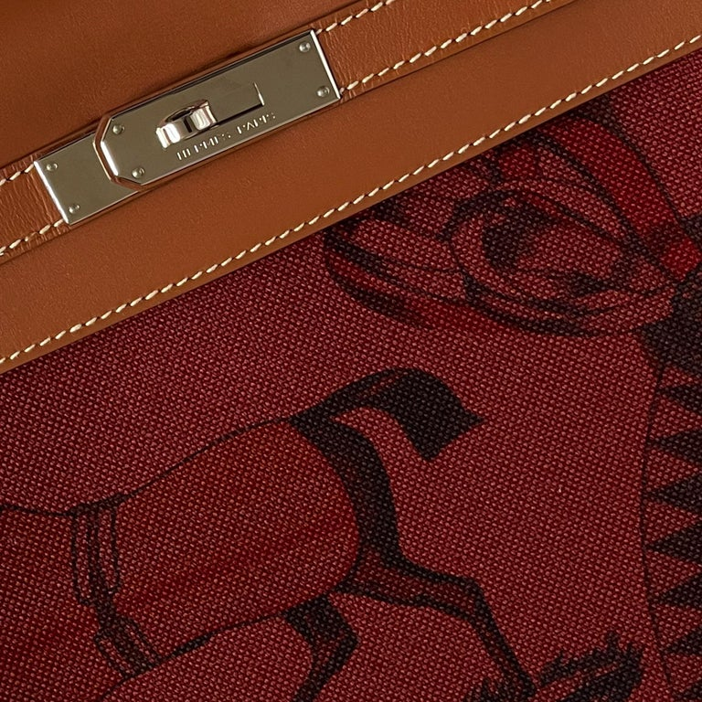 Hermès Kelly 32cm Amazon Fauve Barenia Palladium Horse Motif Hardware For Sale 5
