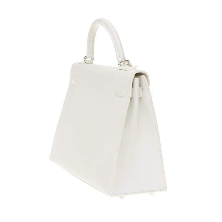 Hermès Kelly 32cm handbag with strap in white epsom leather, Palladium hardware In Excellent Condition For Sale In Paris, Paris