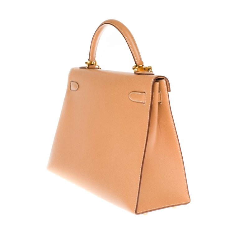 Women's Hermès Kelly 32cm sellier handbag with strap in gold courchevel leather, GHW For Sale
