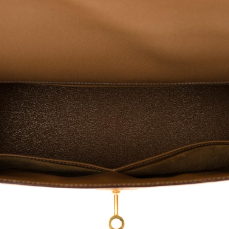 Hermès Kelly 32cm sellier handbag with strap in gold courchevel leather, GHW For Sale 3