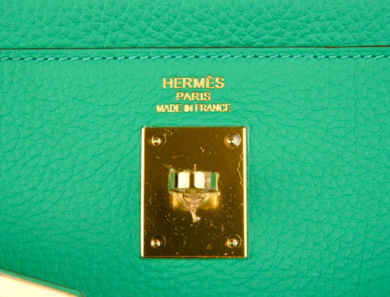 Hermes Kelly 35 Bag Menthe Fresh Green Retourne Gold Hardware   In New Condition For Sale In Miami, FL