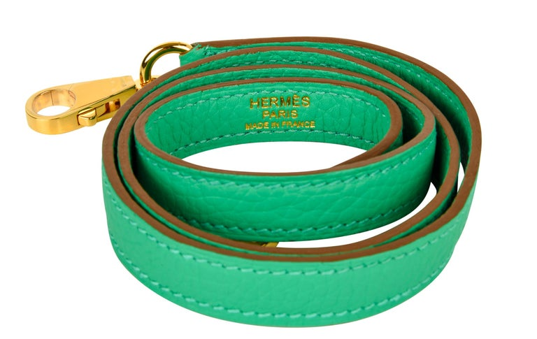 Hermes Kelly 35 Bag Menthe Fresh Green Retourne Gold Hardware   For Sale 2