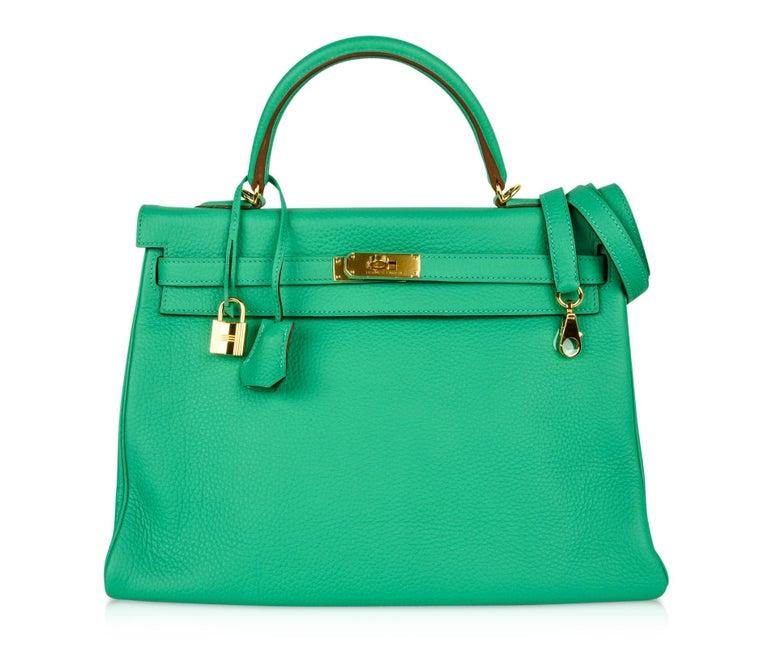 Hermes Kelly 35 Bag Menthe Fresh Green Retourne Gold Hardware   For Sale 3