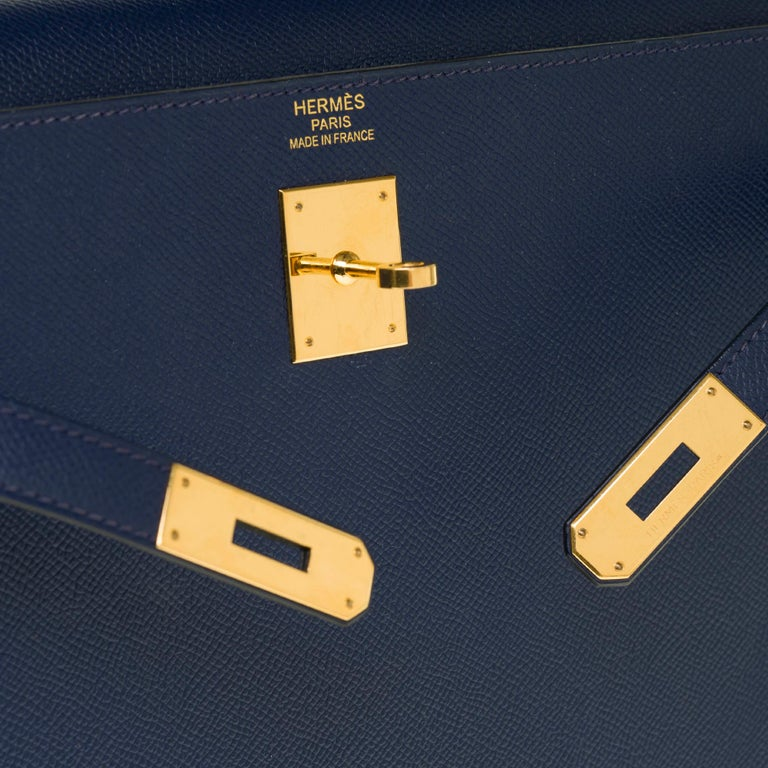 Women's Hermès Kelly 35 sellier strap shoulder bag in epsom blue saphir, PHW For Sale