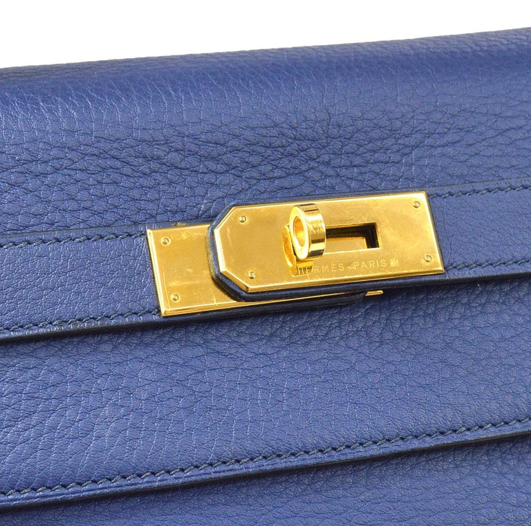 Leather Gold tone hardware Date code present Made in France Handle drop 3.5
