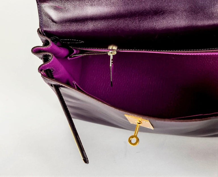 HERMES KELLY BAG box calf 28 cm purple/pink special edition gold hardware 2004   For Sale 8