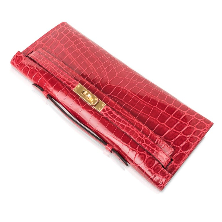 Hermes Kelly Cut Bag Braise Crocodile Gold Hardware Clutch In New Condition In Miami, FL