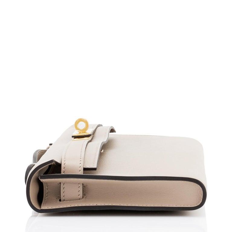 Hermes Kelly Cut Beton Cream Grey Clutch Swift Gold Hardware Y Stamp, 2020 For Sale 1