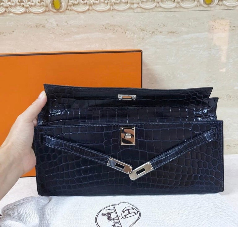 Women's Hermès Kelly Cut Crocodile Blue Marine Bag For Sale