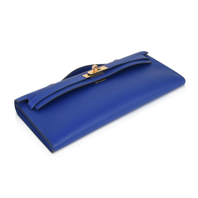 Hermes Kelly Cut Electric Blue Clutch Bag Gold Hardware Swift Leather In New Condition For Sale In Miami, FL