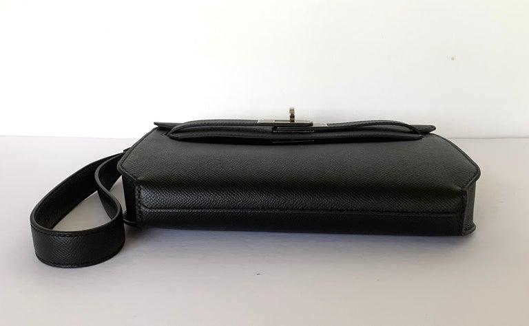 Women's or Men's Hermes Kelly Depeche Black Pochette Epsom 25 Palladium For Sale
