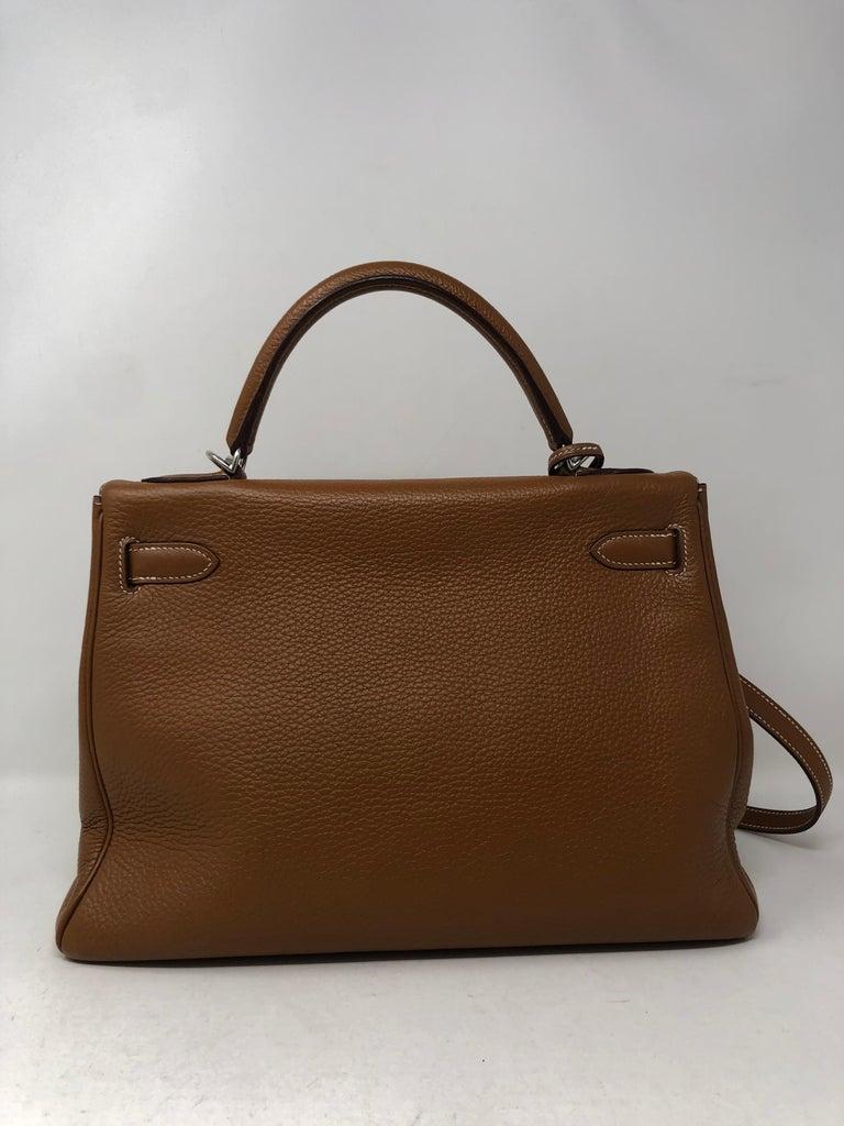 Women's or Men's Hermes Kelly Gold 32 Bag For Sale