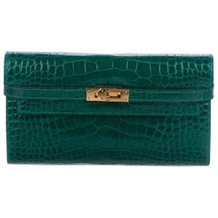Hermes Kelly Green Alligator Exotic Gold Evening Kelly Clutch Wallet Bag in Box