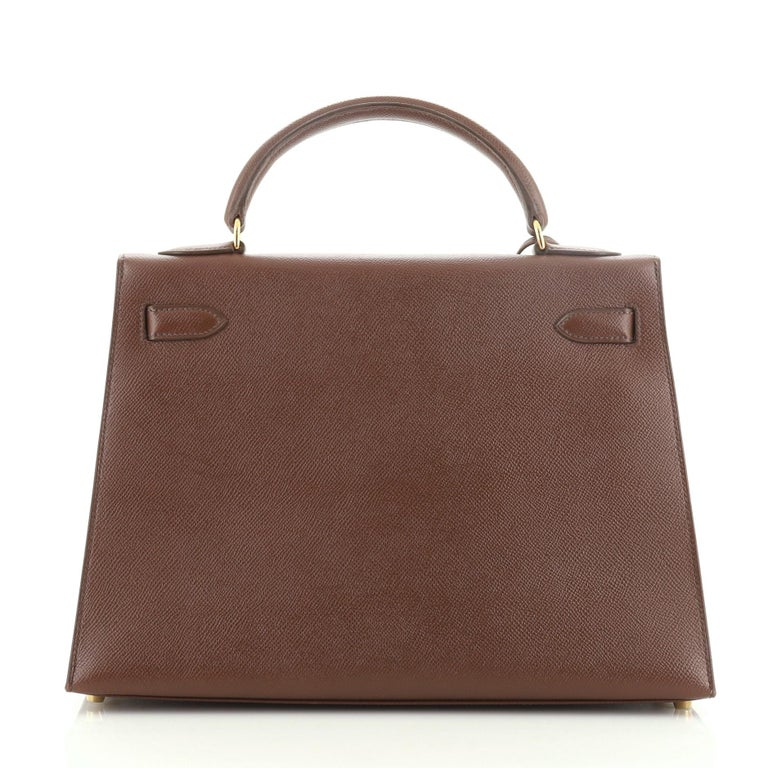 Hermes Kelly Handbag Marron Foncé Courchevel with Gold Hardware 32 In Good Condition For Sale In New York, NY