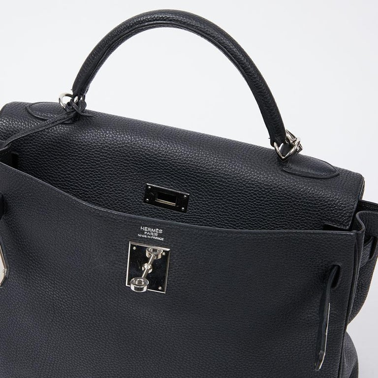 HERMES Kelly In Black Togo Leather With Removable Strap For Sale 10