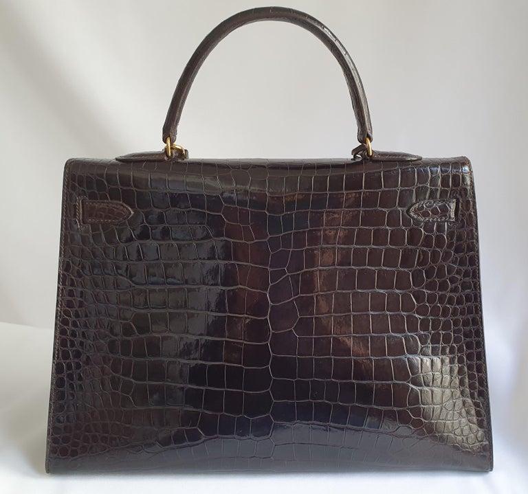Hermès, Kelly in brown Porosus Crocodile  In Good Condition For Sale In Clichy, FR