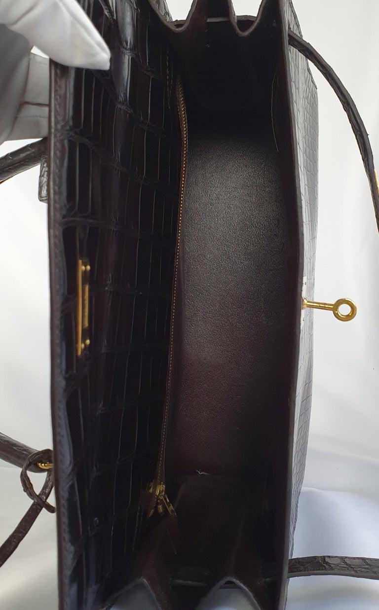 Hermès, Kelly in brown Porosus Crocodile  For Sale 1