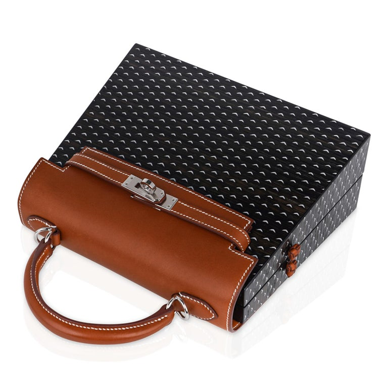 Women's Hermes Kelly Kellywood 22 cm Wood Kelly Barenia Leather Limited Edition For Sale