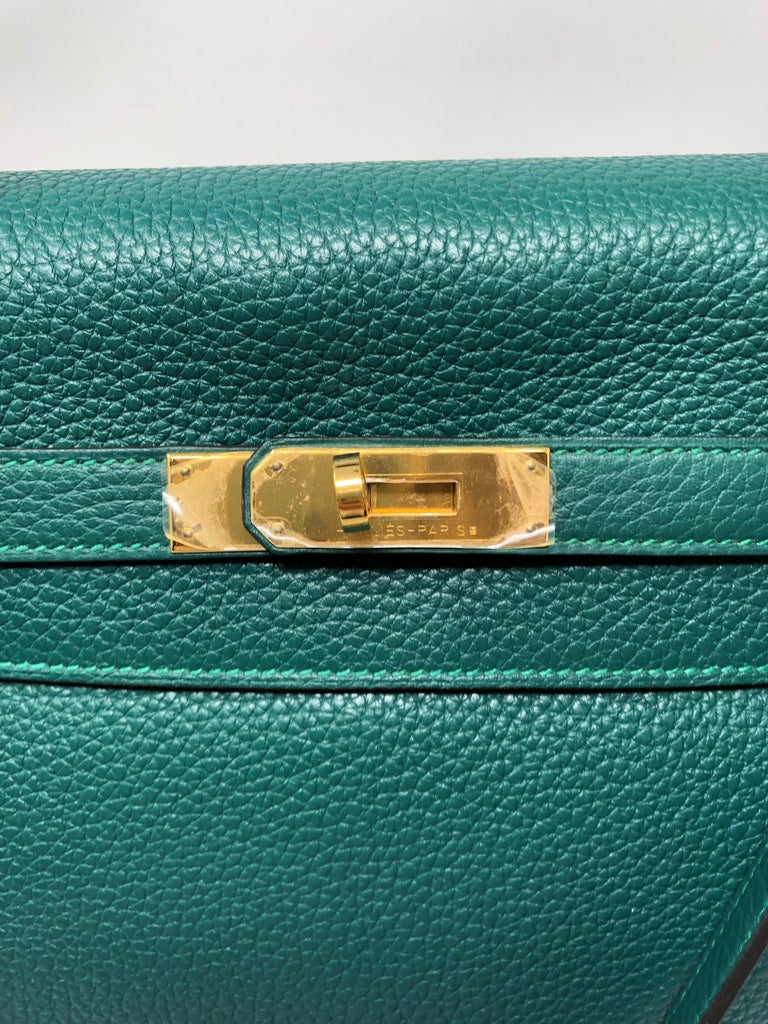Hermes Kelly Malachite 35 Bag  In Excellent Condition For Sale In Athens, GA