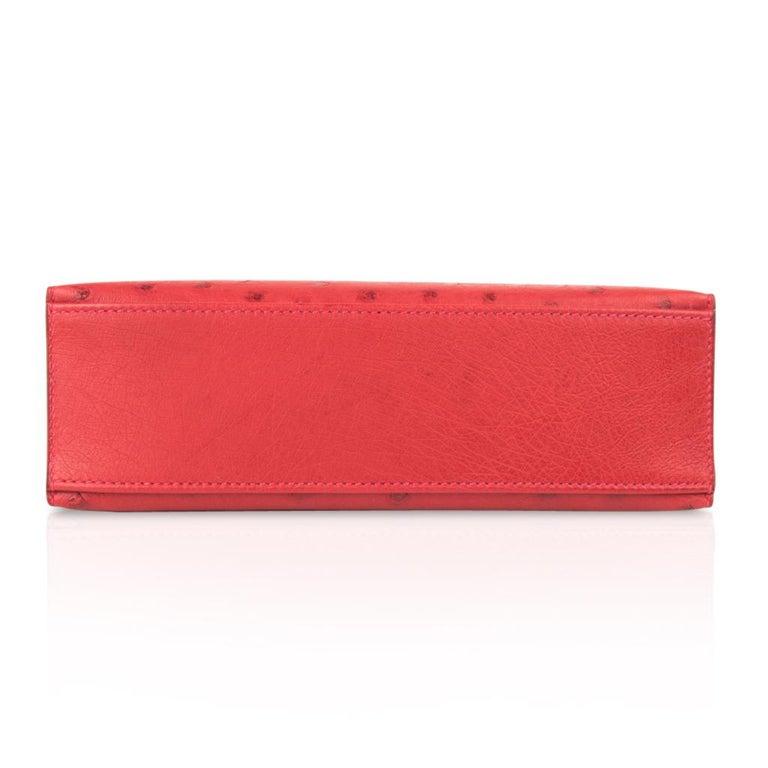 Hermes Kelly Pochette Bag Rouge Vif Red Ostrich Clutch Gold Hardware For Sale 4