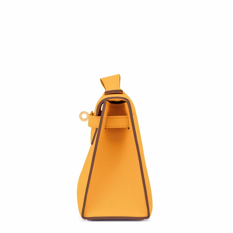 Hermes Kelly Pochette Jaune Ambre Gold Hardware Clutch Amber Bag Y Stamp, 2020 In New Condition For Sale In New York, NY