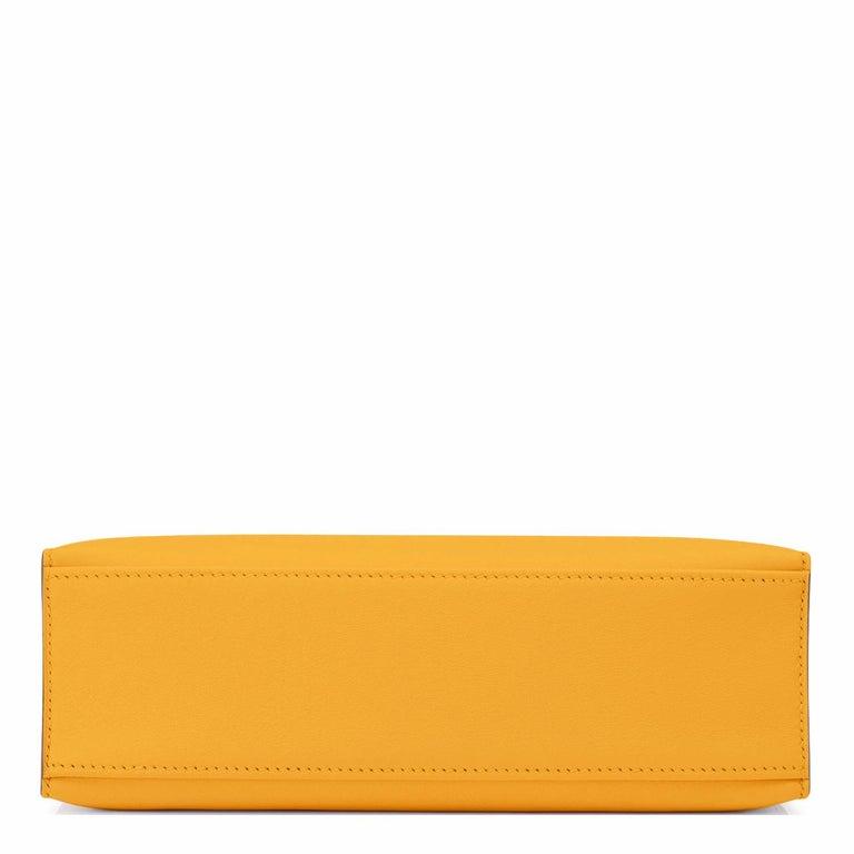 Hermes Kelly Pochette Jaune Ambre Gold Hardware Clutch Amber Bag Y Stamp, 2020 For Sale 1
