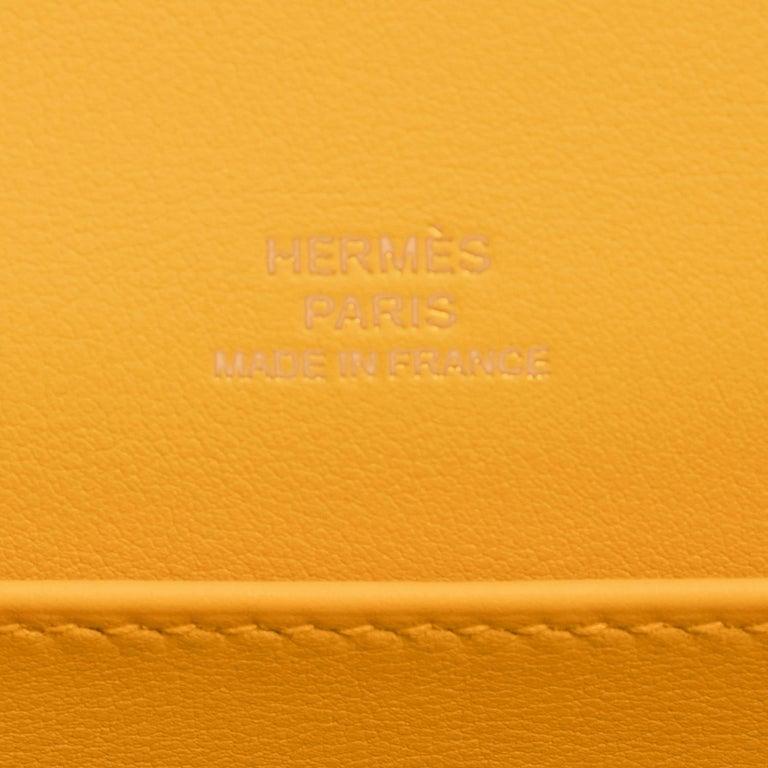Hermes Kelly Pochette Jaune Ambre Gold Hardware Clutch Amber Bag Y Stamp, 2020 For Sale 3