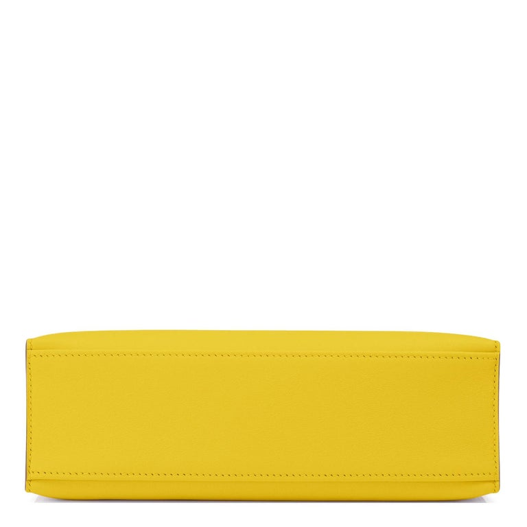 Hermes Kelly Pochette Lime Yellow Fluo Gold Clutch Cut Bag Y Stamp, 2020 For Sale 1