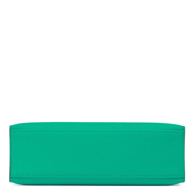 Women's or Men's Hermes Kelly Pochette Menthe Gold Hardware Clutch Cut Bag Z Stamp, 2021 For Sale