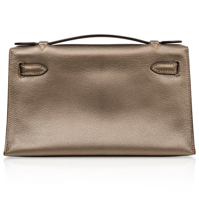Hermes Kelly Pochette Metallic Bronze Clutch Bag Chevre Palladium For Sale 1